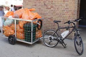 Collecte poubelles vélo électrique